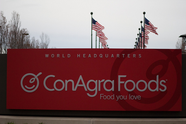 Conagra Brands Inc (NYSE:CAG) Stock Technicals Hit Weakness