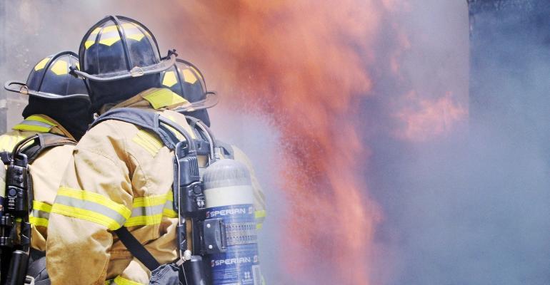 firefighter-4011616_1920.jpg