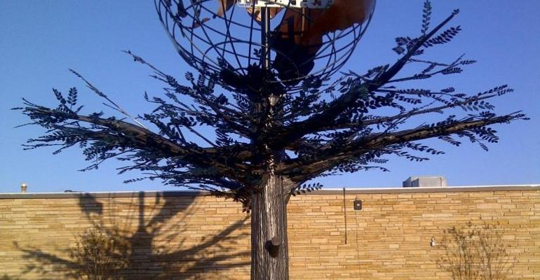 "Camfil Farr APC Unveils ""Remembering Tree"" Sculpture"