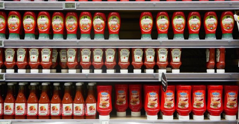 shelf-3840442_1920.jpg