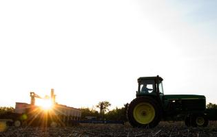 Planting soybeans. Image courtesy of the United Soybean Board.