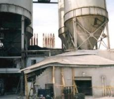 Hopper dropped off silo at left, resulting in death of two workers in a lab that had been located in the building directly beneath