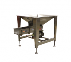 Standard infeed hopper with vibratory feeder