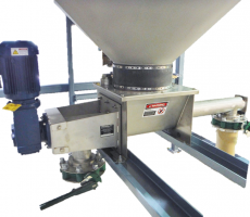 Metalfab's HD dual-outlet, heavy-duty volumetric feeder