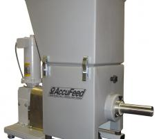 Low rate feeder with integral vibrated hopper and trough