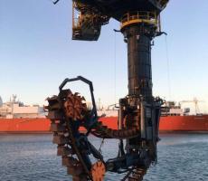 Takraf continuous ship unloader