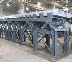 A Carrier Vibrating Equipment sand conveyor. Image courtesy of Carrier
