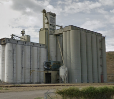 A view of the Parrish & Heimbecker grain elevator in Medicine Hat, AB. Image courtesy of Google Maps